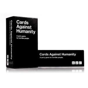 Cartes contre l'humanité (Cards Against Humanity-Basic Edition)-S'il vous plaît noter que ces cartes sont en anglais et visent à USA culture. 550 cartes (460 cartes Blanches et 90 cartes noires)Plus de 13 duodecillion tours possibles (10 ^ 40) av