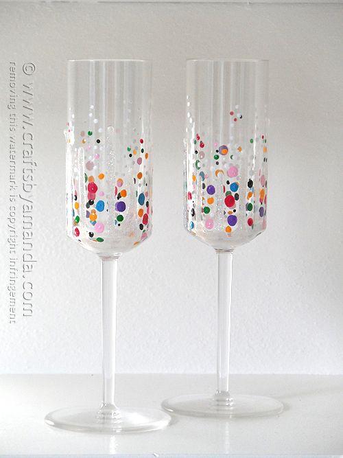 Silvester/Neujahr... Sektgläser mit Konfetti aus Farbe... Confetti Champagne Glasses @Amanda Snelson Formaro Crafts by Amanda