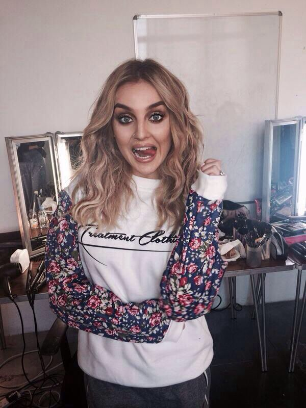 Perrie Edwards I really like this make up look it's not too much but it still makes a statement.