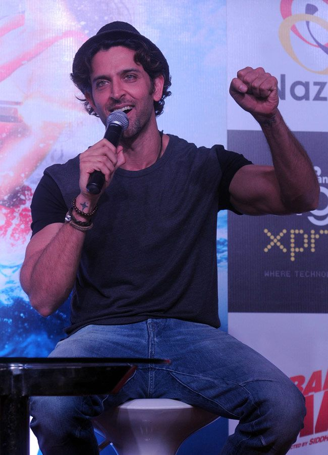 Hrithik Roshan promoting 'Bang Bang' by launching mobile game. #Bollywood #Fashion #Style #Handsome
