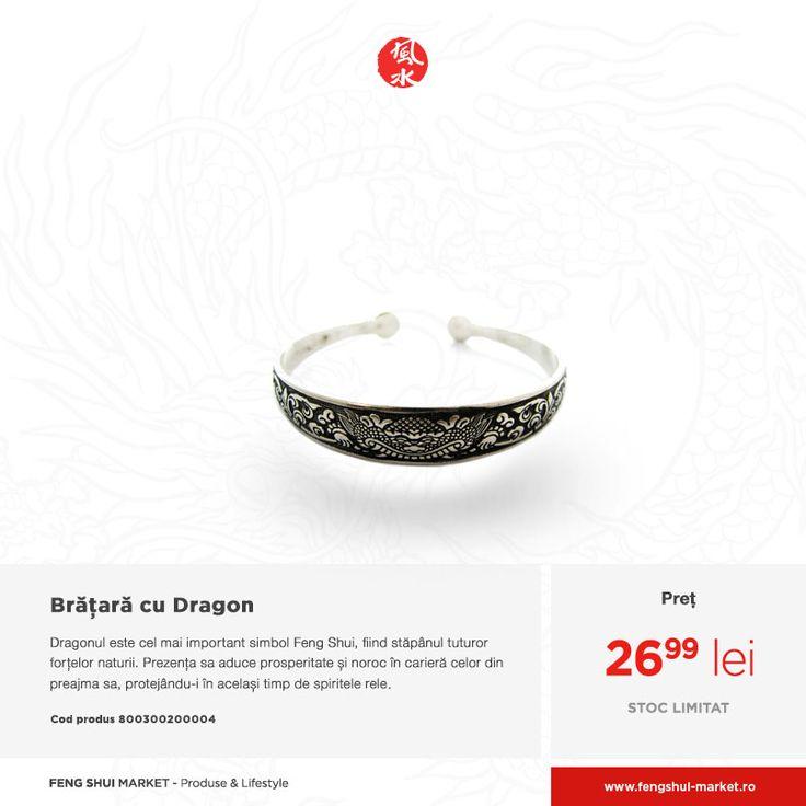 Bijuteriile Feng Shui nu sunt neapărat cele care poartă acest nume, ci toate cele care prin simbolurile Feng Shui înscripționate pe acestea, sau a pietrelor naturale benefice pe care le poartă, activează forțe benefice sau asigură protecție.  Brățara cu Dragon constituie un accesoriu minunat, ce poate fi asortat la o gamă variată de ținute și care te protejează de energie negativă. http://www.fengshui-market.ro/detalii-produs/ro/bijuterii-in-stil-feng-shui-60/bratara-feng-shui-cu-dragon-4053