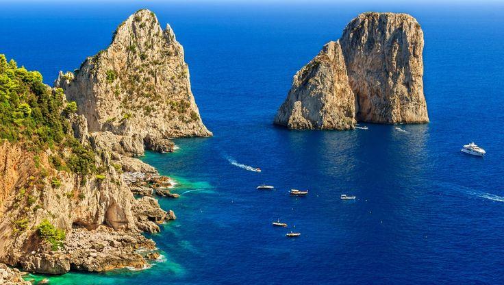 Alla scoperta di Napoli e la sua meravigliosa Campania #Campania, #Capri, #CastelFusaro, #Mare, #Mergellina, #Napoli, #Pompei, #Procida, #Sorrento, #Vesuvio http://travel.cudriec.com/?p=2575