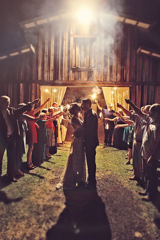 incredible barn wedding photo ideas