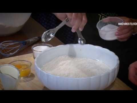 https://www.facebook.com/makoivtv http://makotv.hu/ Limara, a híres gasztroblogger mutatja be lépésről lépésre, hogyan készíthetünk otthon finom húsvéti kalá...
