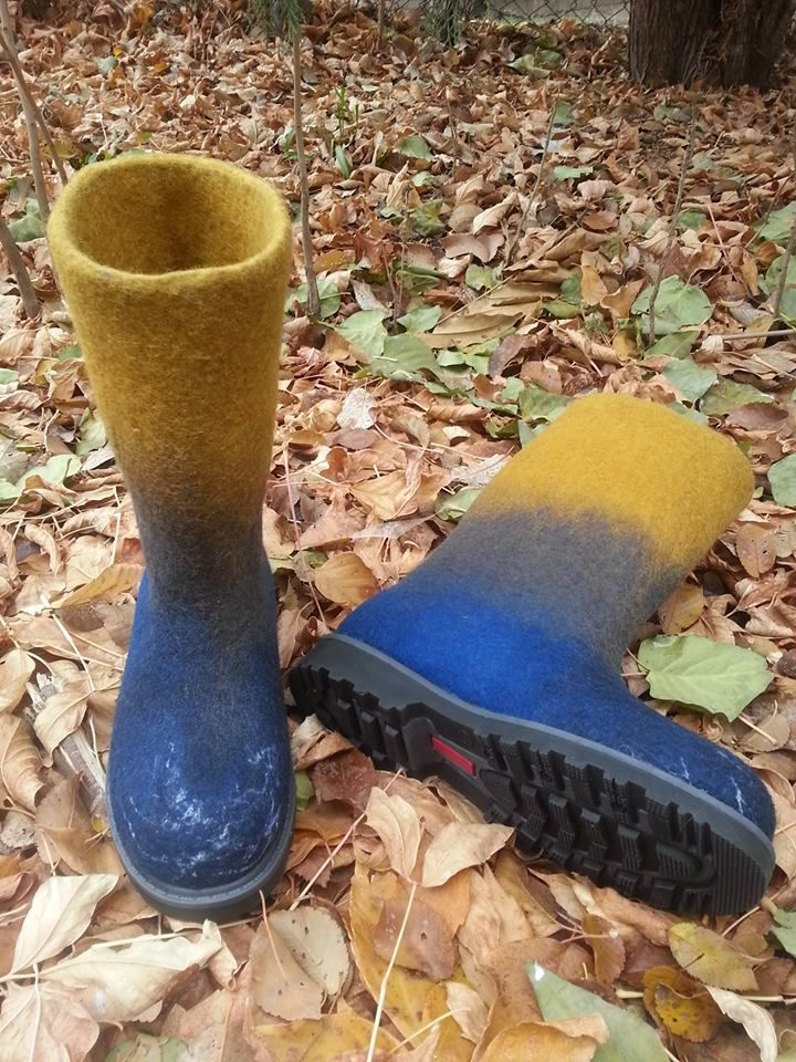 Hand felted boots. 100% Carded merino wool.