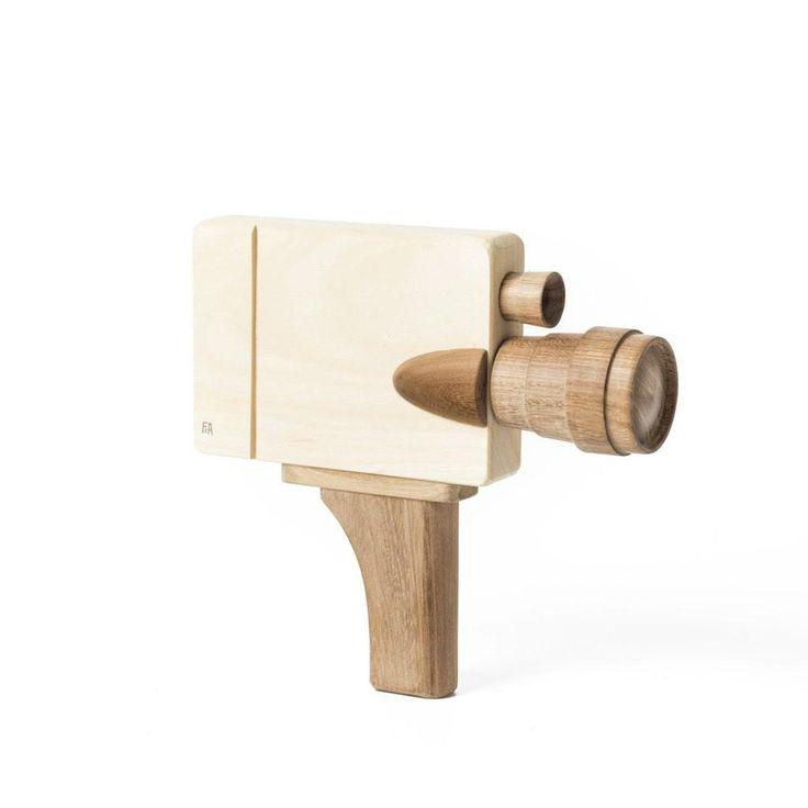 Fanny & Alexander Filmkamera aus Holz online kaufen | KidsWoodLove
