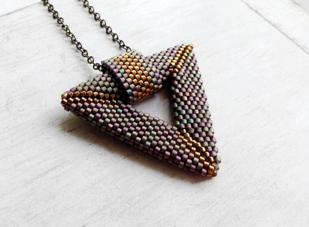 Very delicate and beautiful necklace made with #Miyuki beads. Iridescent green-purple-brown and gold #Geometric necklace. Minimal and Modern.