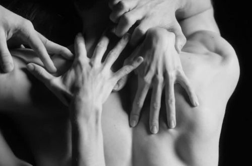 Dorothée Gilbert and Mathieu Ganio (Paris Opera Ballet), Tristan und Isolde trailer: hand details