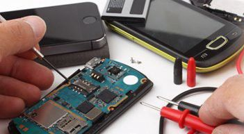 Hi-tech is most Forefront Mobile Repairing Training Institute in Delhi, for offering best and adroit training along with
