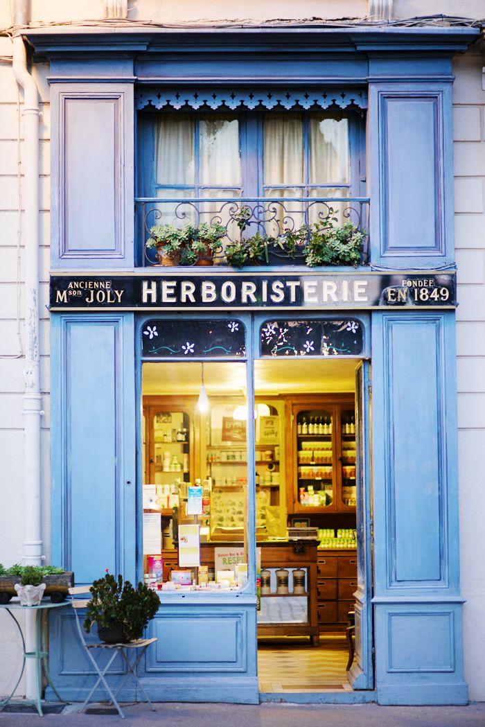 Vieux Lyon, France © Natasha Calhoun