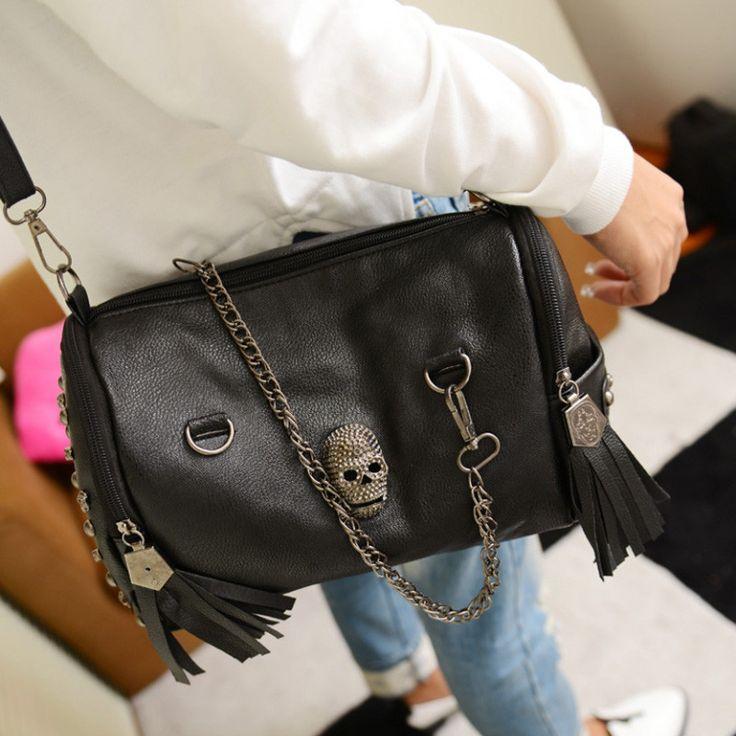 Women Black Leather Messenger Bags Fashion Vintage Messenger Motorcycle Cool Skull Rivets Shoulder Bags