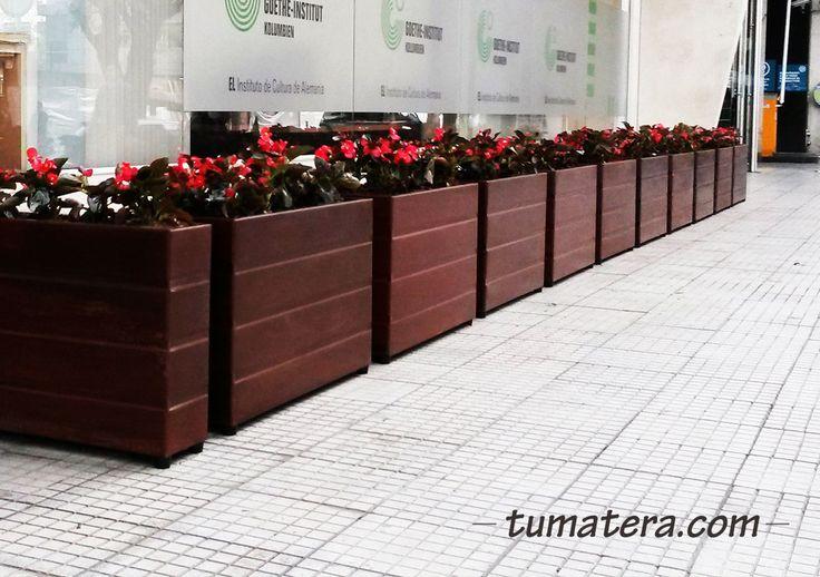 Especialmente diseñadas para quienes buscan una matera con toque clásico y arquitectónico. Encuentralas en: http://www.tumatera.co/products/matera-lamina-20-ml-903060a/