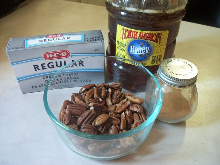 Pecan Cream Cheese Spread or Dip: Green Figs, Wonder Recipes, Pecans Cream Chee Dips, Fresh Figs, Figs Includ, Easy Recipes, Cream Cheese Spreads, Cream Chee Spreads, Cream Cheeses