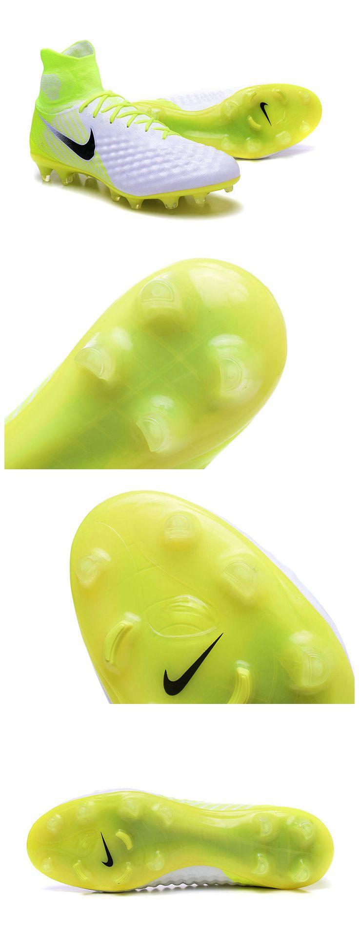 Nouvelle Nike Magista amortis ciblés à la cheville et sous les lacets pour un impact réduit lors des frappes.
