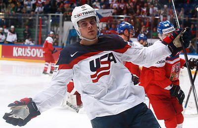 Мэттьюс стал первым игроком забросившим четыре шайбы в дебютной игре НХЛ - ТАСС