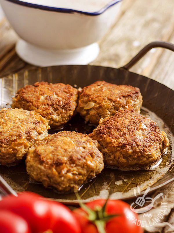 Le Polpette di carne con parmigiano e mortadella sono un piatto gustosissimo, veloce e facile da preparare, ottimo per i bambini!