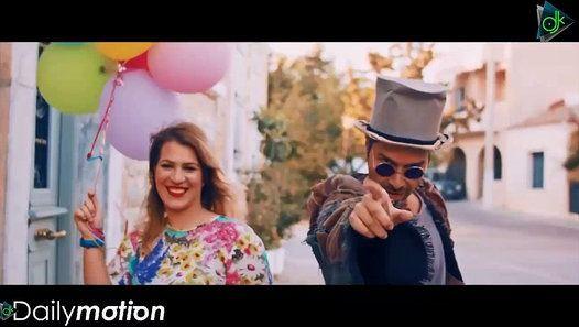 Ο τραγουδοποιός Ανδρέας Λάμπρου μας παρουσιάζει το νέο του τραγούδι Το μέλλον ανήκει στους τρελούς σε μουσική και στίχους του ίδιου. Ο Ανδρέας Λάμπρου έχοντας γράψει τραγούδια σε σπουδαίους ερμηνευτές όπως ο Γιώργος Νταλάρας η Άλκηστις Πρωτοψάλτη ο Μανώλης Μητσιάς η Ελένη Δήμου και έχοντας μεγάλες επιτυχίες στο ενεργητικό του κυκλοφορεί το νέο του τραγούδι σε reggae ρυθμό που σίγουρα θα μας ταξιδέψει θα μας ξεσηκώσει και θα μας δώσει μέσα από τους στίχους του τη δύναμη να καταλάβουμε ότι όλα…