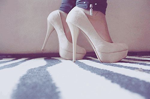 Luv these heels <3
