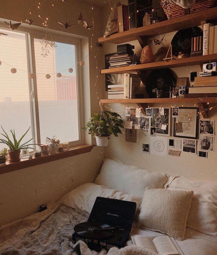 pin von jenna butterworth auf aesthetic pinterest studentenzimmer zimmer einrichten und. Black Bedroom Furniture Sets. Home Design Ideas