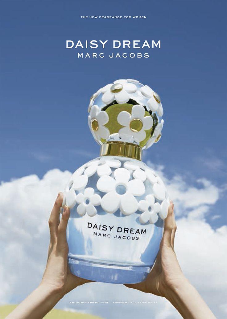 """Si mezclamos la dulzura de suculentas frambuesas, con unos jugosos y deliciosos gajos de toronja, el aterciopelado sabor de la pera y unos toquecitos de agua de coco, obtendríamos la base de la nueva y deliciosa """"Daisy Dream Marc Jacobs"""". #MarcJacobs #DaisyDream #Fragancias #Perfumes #MJDaisyDream #MJ #Parfums #Cielo #Margaritas #Daisy #Dreams"""
