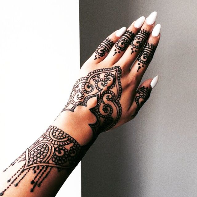 How to make your Bridal henna design last and tips on how to get your mehndi dark.