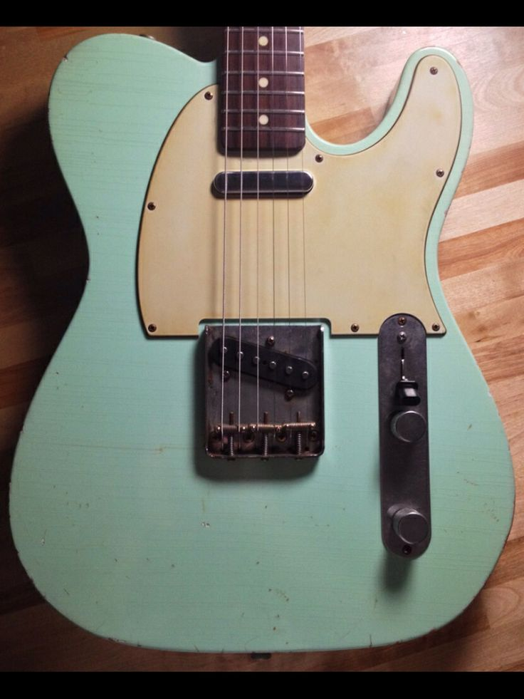 105 best surf green guitars and amps images on pinterest fender guitars instruments and. Black Bedroom Furniture Sets. Home Design Ideas