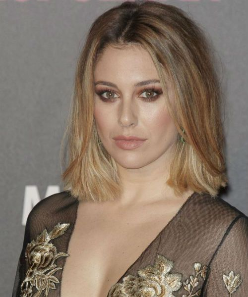 Latest Celebrity Hairstyles To Wear In 2020 The Pro Styles Celebrity Hairstyles Prom Hairstyles For Short Hair Celebrity Hair Trends