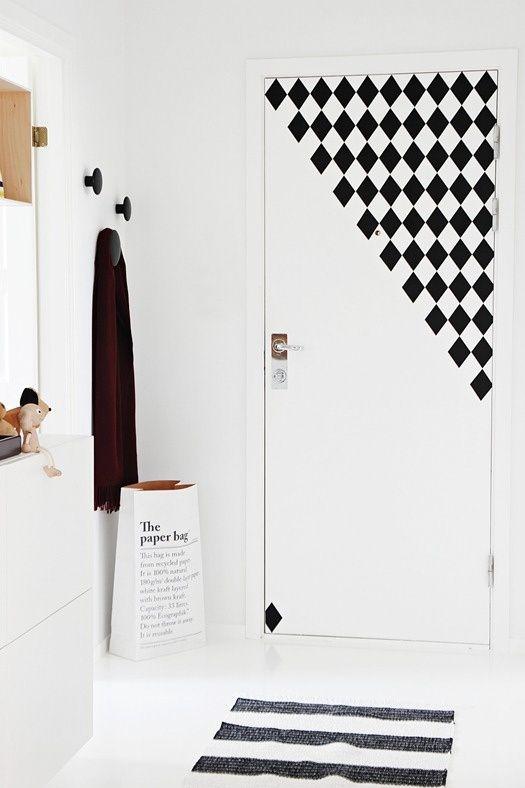 graphic print design door corner
