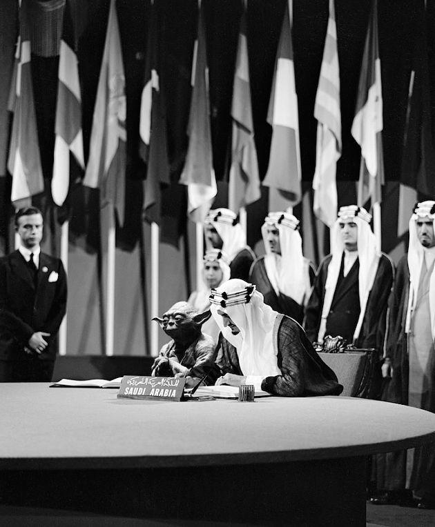 Der Künstler Abdullah Al Shehri montierte den Jedi-Meister Yoda neben König Faisal von Saudi-Arabien, der 1945 in San Francisco die UN-Charta unterschrieb