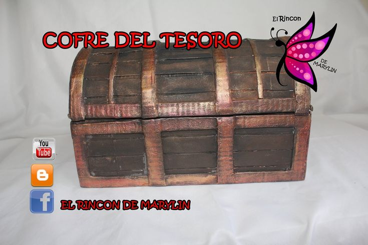 Cofre del tesoro hecho con carton - Treasure chest made ​​of cardboard