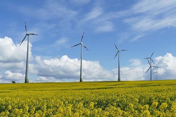 Energiafordulatot sürgetnek a németek! Nemzetközi vándorkiállításon népszerűsítik a megújuló forrásokra épülő energiarendszert