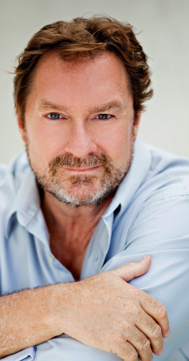 Stephen Root, Actor: King of the Hill. One of the most prolific character actors working today, Stephen Root has worked alongside many of the biggest names in Hollywood. Born in Sarasota, Root majored in acting and broadcasting at the University of Florida and remains a die-hard Gator fan. After three years of touring the U.S. and Canada with the National Shakespeare Company, Root settled in New York, honing his craft in many regional...