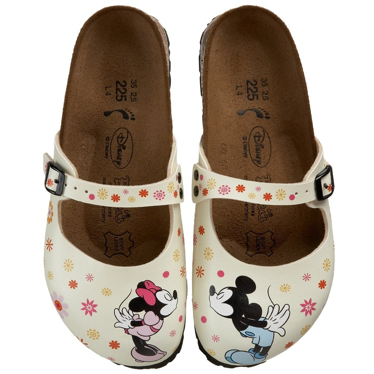 Oh My! love the Kissing Minnie & Mickey! I wonder how comfortable ...