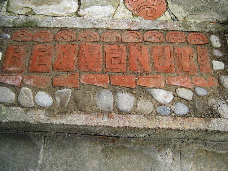 Welcome- mattonelle di terracotta- pavimentazione giardino