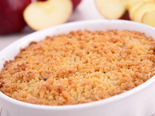 Crumble aux pommes et aux amandes : Recette de Crumble aux pommes et aux amandes - Marmiton