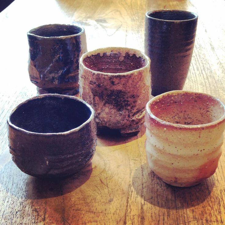 ジェイムスさんのぐい呑。イギリス出身の陶芸家ジェイムス・イラズムスさんと奥様で丹波布作家のイラズムス・千尋さんの二人展「Mr.&Mrs.Erasmus -二人展」は本日から!  #ジェイムス・イラズムス #イラズムス・千尋 #織部下北沢店 #備前 #陶器 #器 #ceramics #pottery #clay #craft #handmade #oribe #JamesErasums