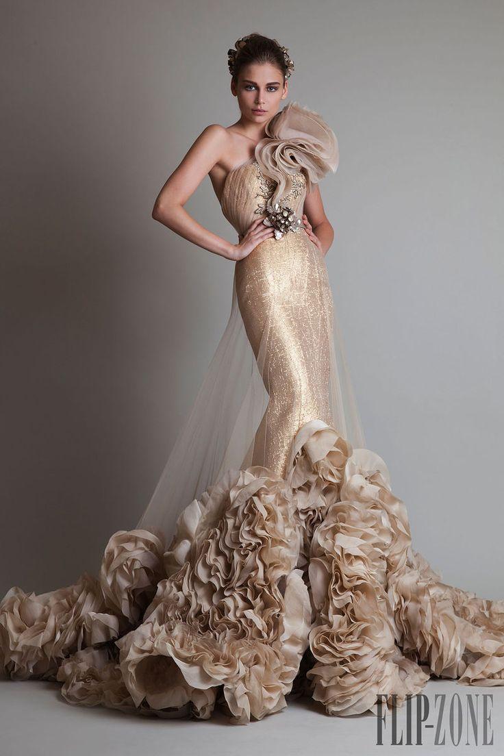 "Krikor Jabotian - Couture - ""Closure"", F/W 2013-2014 - http://www.flip-zone.net/fashion/couture-1/independant-designers/krikor-jabotian-4063"