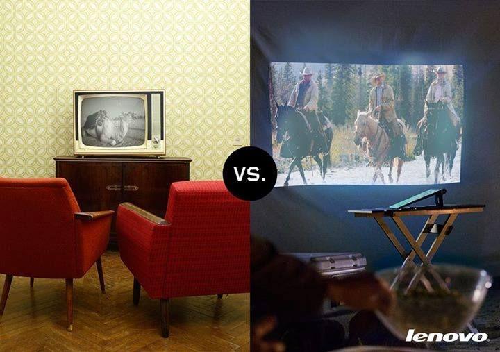 La carta da parati fa un po' vecchio stile? Dai vita alla tua parete col proiettore di #YOGATablet2Pro, leggero e versatile e da usare dove e come vuoi tu! Che film guarderesti oggi?