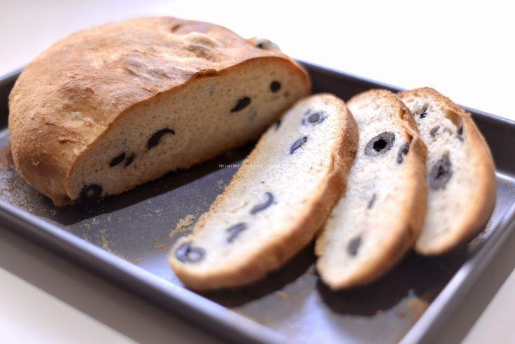 Mrs. Lovett's pies: Pane pugliese alle olive - Chiarettaaaaaaa!