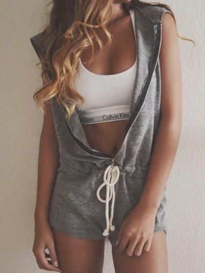 Fashion Sleeve Less Solid Color Zipper Romper