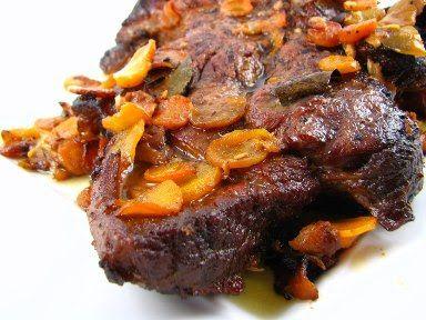 Cinco Quartos de Laranja: Carne de vaca assada no forno com cenoura