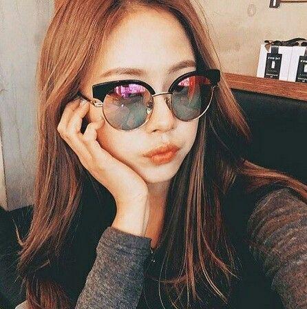 https://www.justprettythings.com/Sunglasses/OVERSIZED-PINK-MIRROR-BOLD-SUNNIES-id-2957956.html