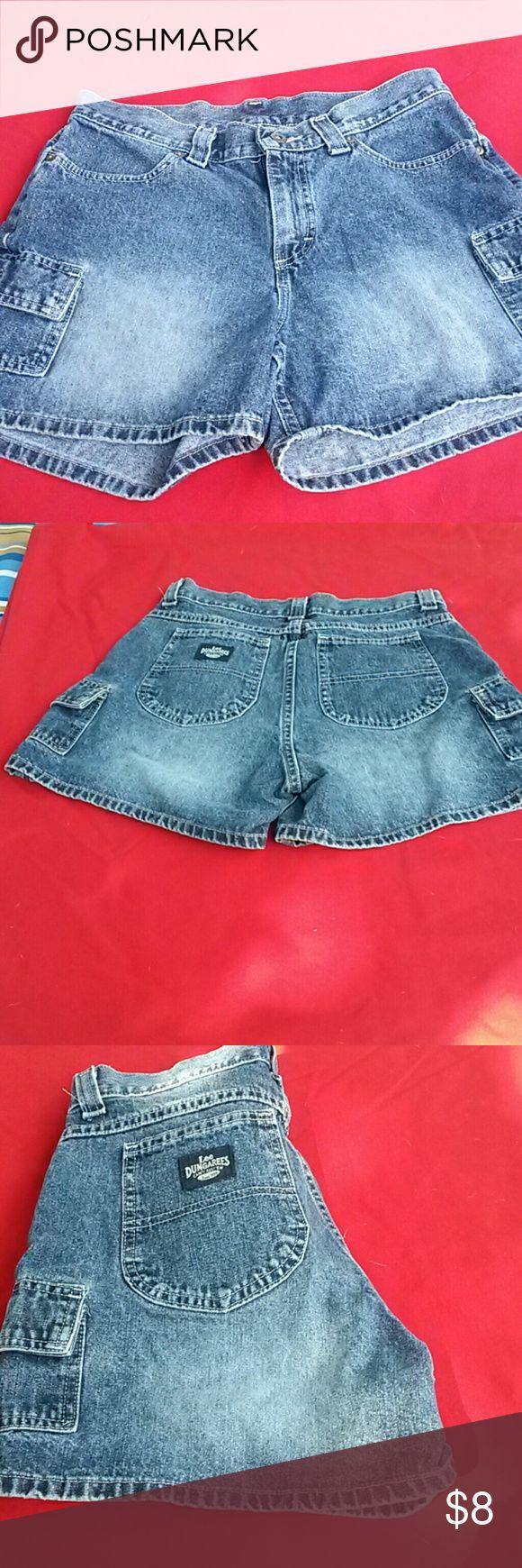 Lee Dungarees Short Jeans short shorts  six pockets.  Slightly used Lee Shorts Skorts