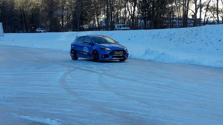 Apprenez à conduire sur la glace avec différents types de voitures à Abondance - Haute Savoie