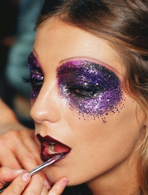 Glitter. This is the kind of makeup I want to be a makeup artist for!