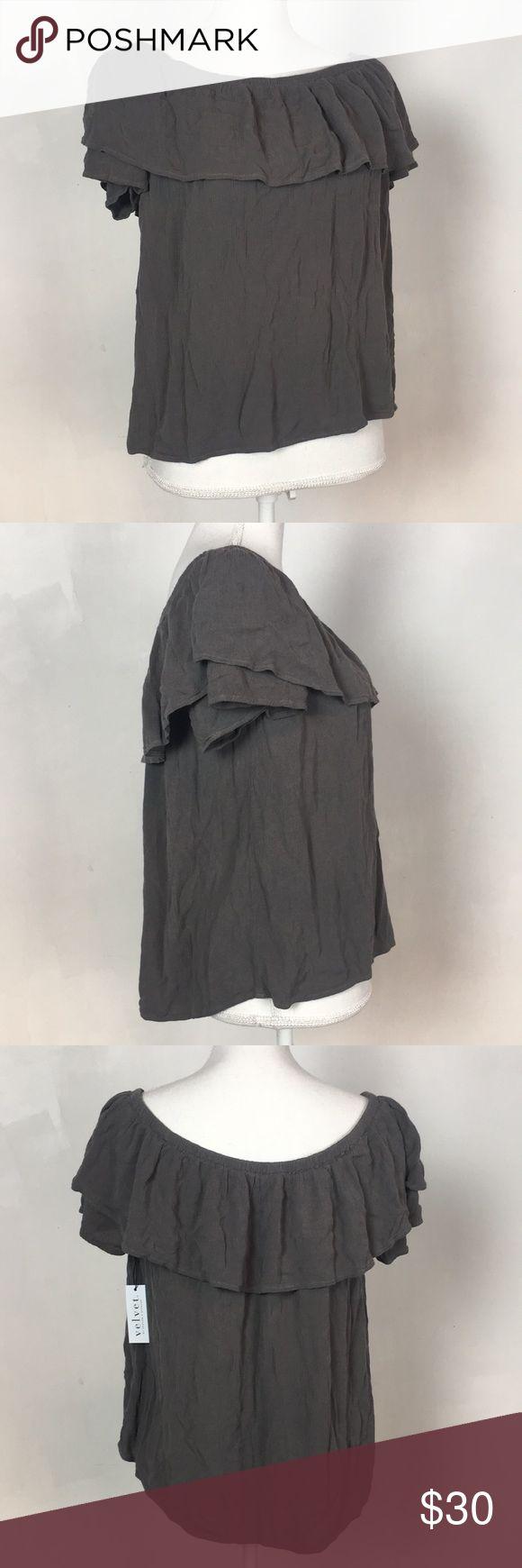 Grey puckered blouse Brand new grey puckered elastic blouse by Velvet. 100% viscose fine fabric. Size M Velvet by Graham & Spencer Tops Blouses