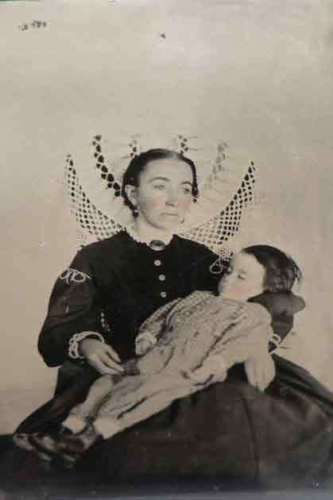 Antique-Post-Mortem-Baby-Photo-Bizarre-Odd-Freaky-Strange