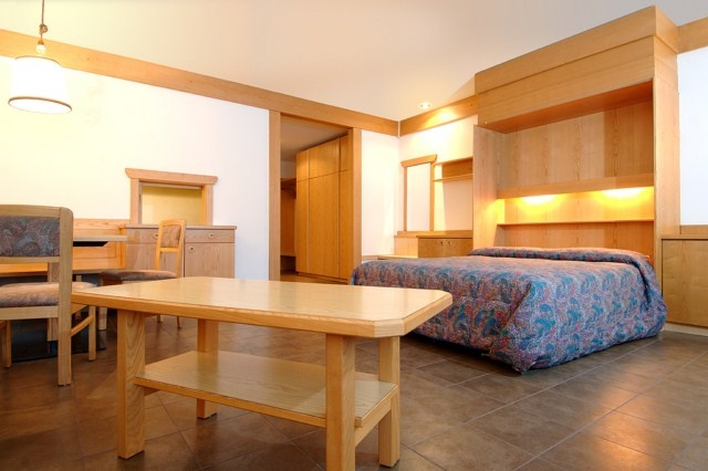 Monolocale per 2 persone fino ad un massimo di 4 persone - Studio for 2 up to a maximum of 4 people in residencehotel Ambiez  http://www.residencehotel.it/strutture/residence-hotel-ambiez-madonna-di-campiglio