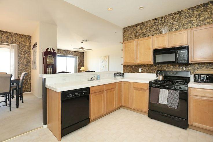 Vegas summerlin luxury golf condo departamentos en for Muebles de cocina vegasa