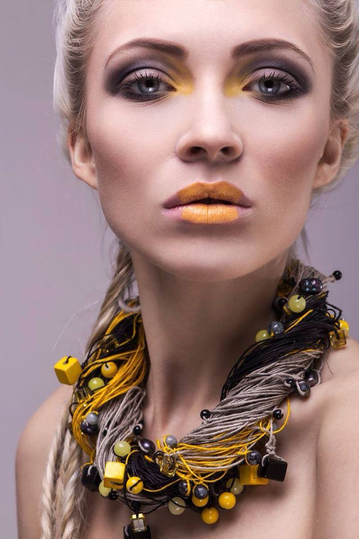 Avangarde make up. Foto: Aleksander Ikaniewicz Model: Paula Nagel